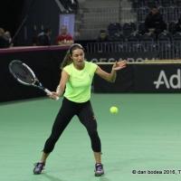 La antrenamentul de luni al echipei feminine de tenis a României, Monica Niculescu a făcut câteva schimburi de mingi cu Simona Halep / Foto: Dan Bodea