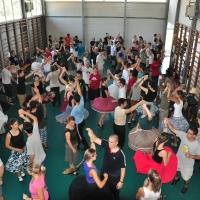 Dansatori de pe mai multe continente la Sâncraiu