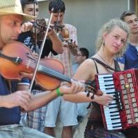 40 de străini participă la tabăra de dans din Sâncraiu