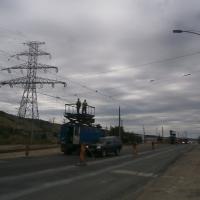 Ultimele verificări la cablurile care alimentează tramvaiele/Foto:Radu Bărăian