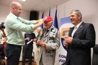 Nicolae Szoboszlay primește șapca echipei la care a fost portar/Foto:Dan Bodea