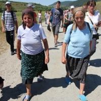 Pelerinii care merg către Nicula/Foto: Dan Bodea