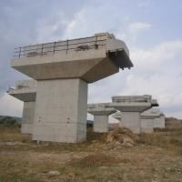 Pilonii podului de la Gilău/ Foto: Radu Bărăian