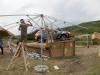 Se lucrează la construcțiile temporare care vor popula zona