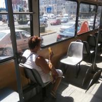 Interiorul unui autobuz/Foto: Radu Bărăian