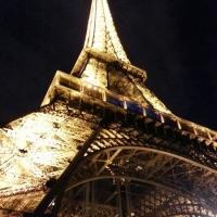 Turnul noaptea