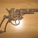 Arma se află într-o stare avansată de corodare/ Sursa foto: okazii.ro