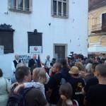 La Cluj,   circa 100 de persoane au participat la manifestație,   desfășurată în zona Casei Matia.