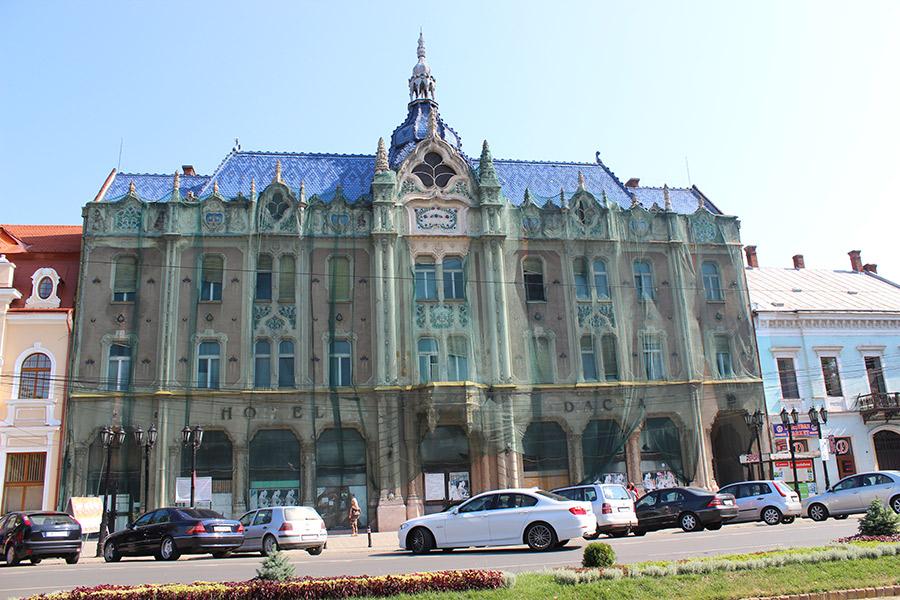 Hotelul Dacia din Satu Mare,   monumentul simbol al judeţului a ajuns o adevărată ruină