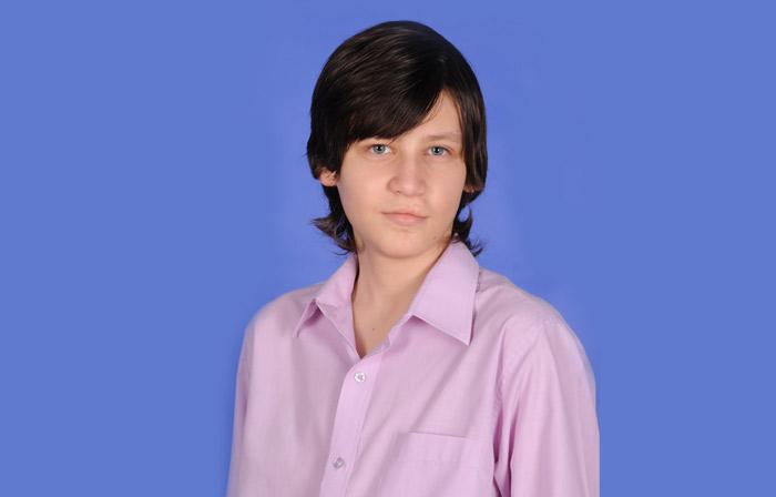 Andrei este elev în clasa a XI-a la Colegiul Internaţional de Informatică din Bucureşti
