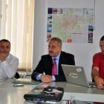 Forin Moroșanu,   președintele Asociației Cluj Capitală Culturală Europeană (stânga),   alături de sociologul Vasile Dâncu (centru) și expertul cultural Szakats Istvan (dreapta)/ Foto (c) Marius Avram - TR