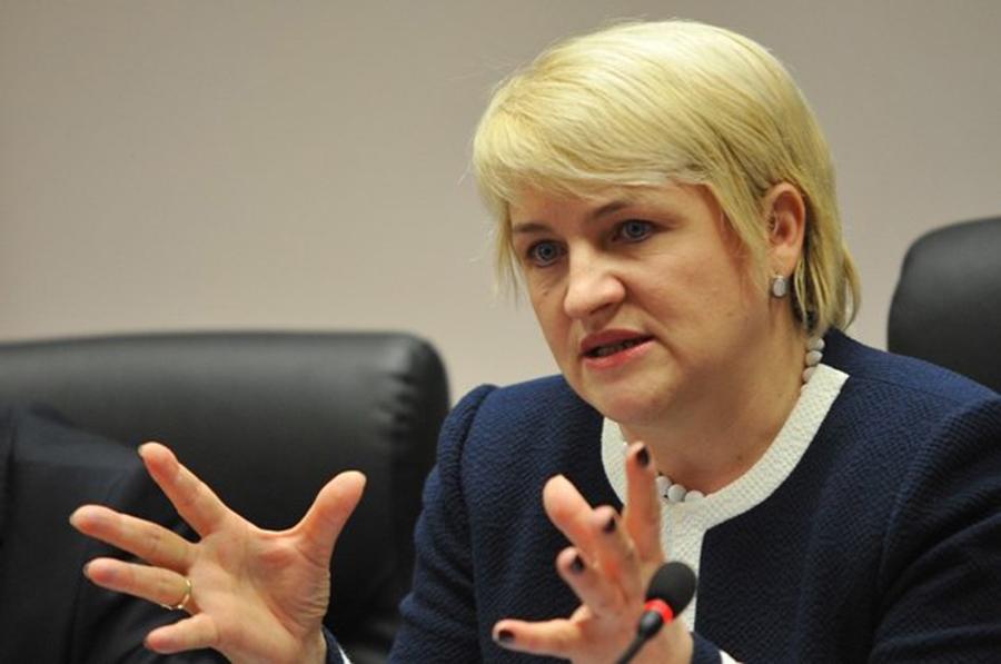 Ministrul Lucia Varga strânge de gât mafia lemnului din Cluj. Foto: gandul.info