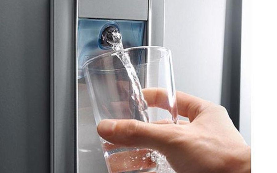 Apa plată,   cea mai căutată în perioada caniculei