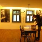 Casa-muzeu se află în apropierea Gării din Vişeu