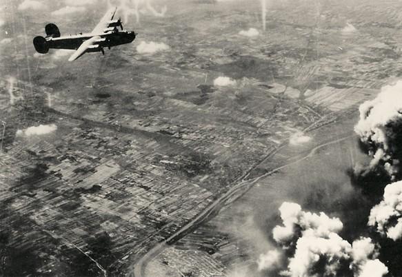 Bombardiere aliate deasupra Bucureștiului