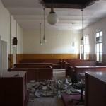 UPDATE. Tavanul Tribunalului Satu Mare s-a prăbușit peste justițiabili. Un deținut a fost grav rănit