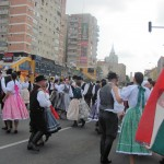Formaţii maghiare din Uruguay, Ungaria şi România, dansând împreună la Zalău