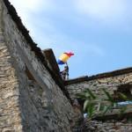 Un steag este arborat pe turnul cetăţii în fiecare an la această sărbătoare a comunităţii