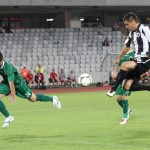 Fotbaliştii lui Ionel Ganea au vrut,   dar nu au putut să facă faţă tacticii defensive a echipei din Chiajna/ FOTO: DAN BODEA
