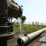 Locuitorii din Certeze consumă apă din rețeaua Apaserv fără să plătească