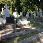 Clericii sunt de părere că slujbele trebuie să aibă loc doar în cimitirele administrațiilor publice/ FOTO: stiridecluj.ro