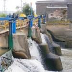 Barajul de la Mănăstirea și hidrocentrala pe care o deservește au fost construite de săteni,   cu banii grofului