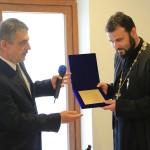 Un preot ortodox din Serbia, cetăţean de onoare al Clujului