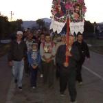 Pelerinii maramureșeni străbat drumul pe jos de zeci de ani