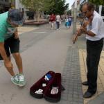 Otto Lăcătuş cântă de trei ani pe Pasajul Coposu