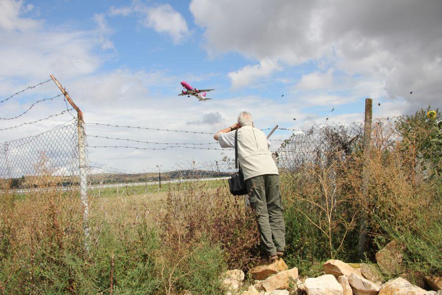 Punctul de observaţie al plane-spotterilor clujeni lângă Aeroportul Internaţional Cluj-Napoca/Foto: Dan Bodea