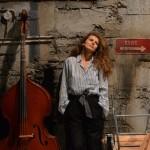 """În """"Trilogia Aureliu Manea """",   Angelica Nicoară interpretează rolurile Bătrânei doamne,   a Absolventei Institutului de Teatru și a Fetei/Foto: Nicu Cherciu"""