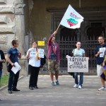 30 de bistrițeni au protestat pașnic împotriva exploatării aurului de la Roșia Montană