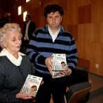 Soţia şi fiul regretatului istoric Gheorghe Bodea au fost prezenţi la lansarea DVD-ului / Foto: Dan Bodea