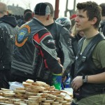 Mii de motocicliști și adrenalină la Tășnad. Meniu surpriză pentru participanți
