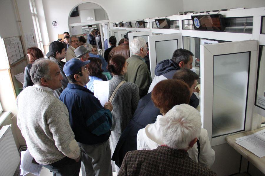 Potrivit Consiliului Fiscal,   în perioada septembrie 2012 – iunie 2013 au fost angajaţi 2.325 de bugetari/Foto: Dan Bodea