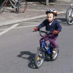 Tinerii bistrițeni s-au luat la întrecere cu toți adulții participanți la turul ciclist al orașului.