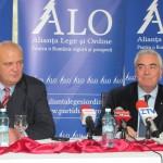 Dinu Gheorghe (foto dreapta),   alături de Vasile Buda