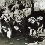 În perioada interbelică,   minereul era scos în coșuri din subteran/ Foto: Bazil Roman