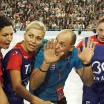 Antrenorul HCM-ului din Baia Mare,   Costică Buceschi știe să-și motiveze jucătoarele / FOTO hcmbaiamare.ro