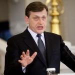Crin Antonescu l-a ales pe noul preşedinte al PNL Cluj