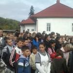 Elevi ai școlii din Dabâca