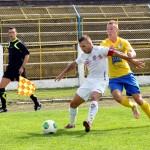 Daniel Feier (foto echipament galben albastru),   arma secretă a Olimpiei,   a adus trei puncte valoroase echipei sătmărene