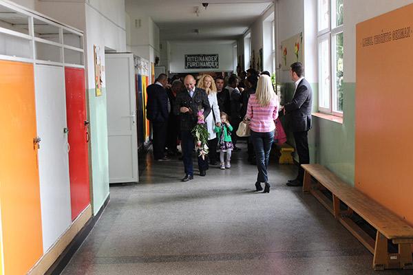 elevi-prima-zi-de-scoala-satu-mare3