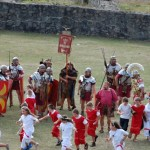 Sâmbătă, în grădina Colegiului Naţional 'Silvania' Zalău vor avea loc demonstraţii de lupte între daci şi romani / Sursa foto: adevarul.ro