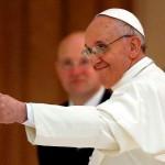 Papa Francisc primește zilnic 2.000 de scrisori