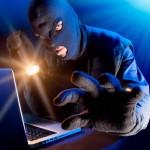 """Expert în securitatea IT: """"Prima sursă de informaţii pentru hoţi au devenit Facebook şi Twitter"""""""