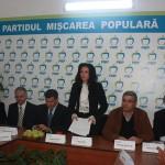 Laura a demisionat din PDL în 27 iulie 2013