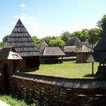 """Activități culturale pentru copiii cu deficiențe de auz la Parcul Etnografic """"Romulus Vuia"""""""