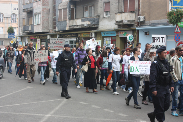 protest-eutanasiere-caini-comunitari-satu-mare (6)