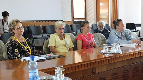 La întâlnire au participat reprezentanții mai multor asociații pentru protecția animalelor